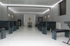wnętrze kaplicy w domu pogrzebowym