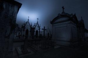 cmentarz o zmroku